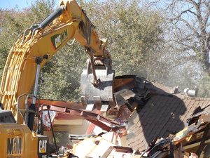 The walls come tumbling down at the San Antonio Zoo